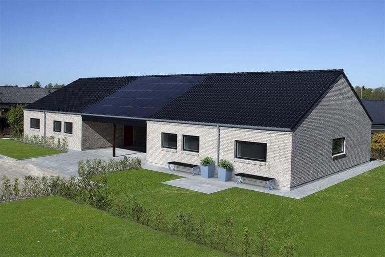 reference Overgårdsvej, Ikast solar roof right carport
